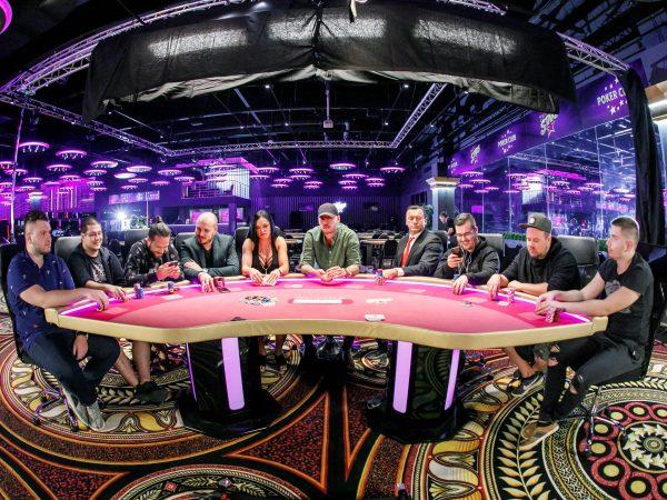 Majself predstavil titulnú skladbu k filmu Casino.$k s názvom Posledný hráč.