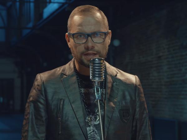 """Ivo Bič, niekdajší spevák kapely Peter Bič Project, predstavil videoklip """"Unavený""""."""