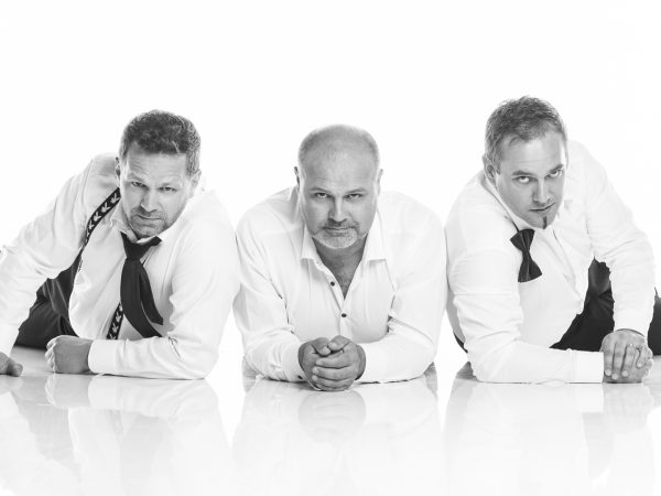 "Skupina La Gioia  venuje svoj nový ""Per lei"" album matkám."