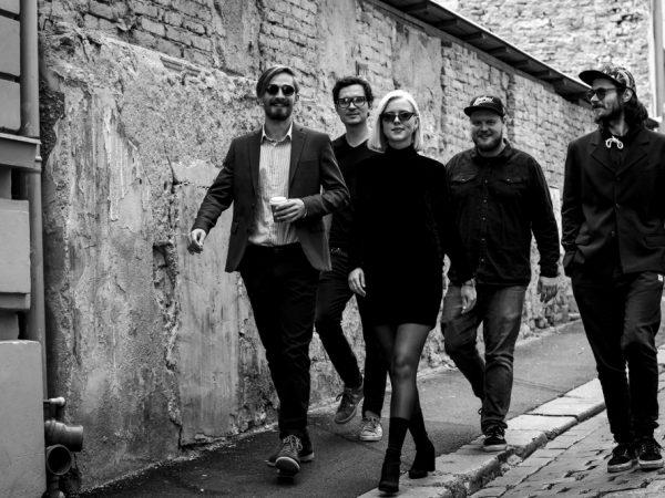 """Jazzové leto v podaní festivalu CITY SOUNDS pokračuje koncertnou lahôdkou - """"Ochepovsky Quintet""""."""