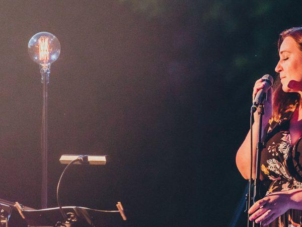 Katka Koščová pripravila live stream koncert so sláčikovým kvartetom.