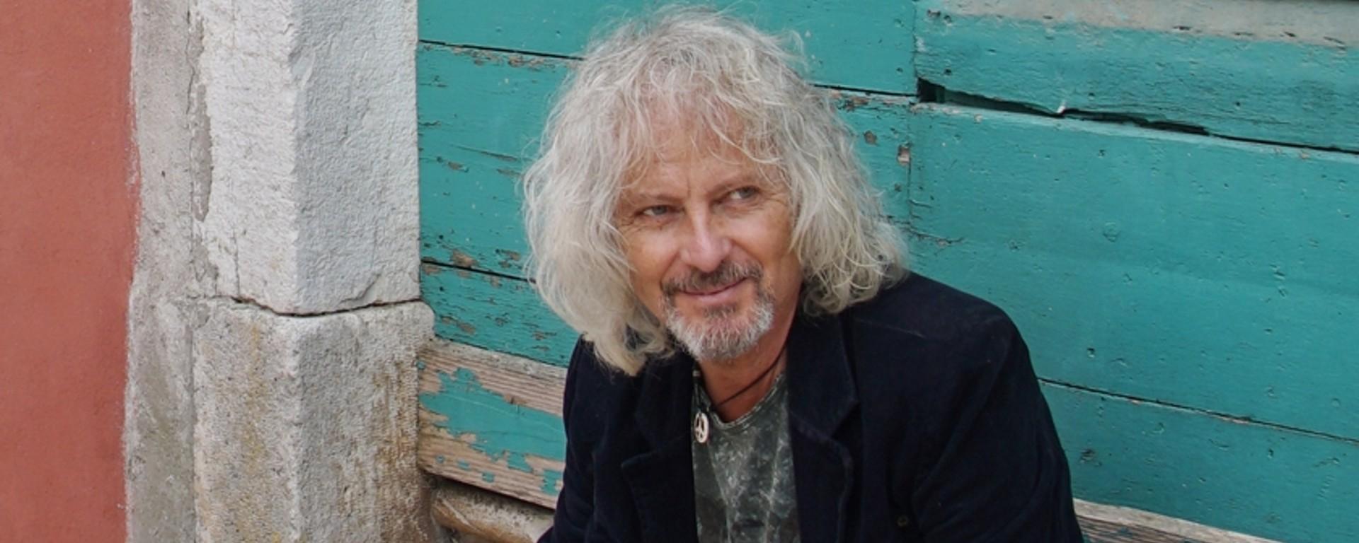 "Peter Nagy má nový klip ""Tam kde nie je signál"", ktorý nakrútili jeho skalní fanúšikovia!"